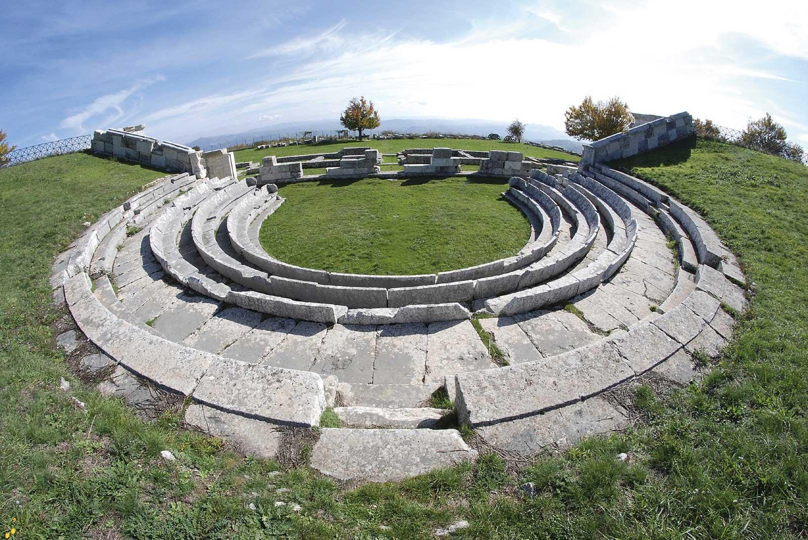 pietrabbondante-teatro-sannitico-1
